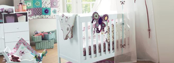 Deco chambre bebe fille liberty for Exemple deco chambre bebe