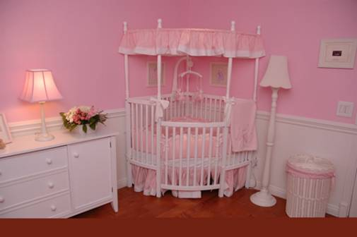 Deco chambre bebe fille princesse for Organisation chambre bebe