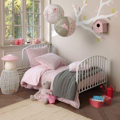 Jolie deco chambre bebe fille rose