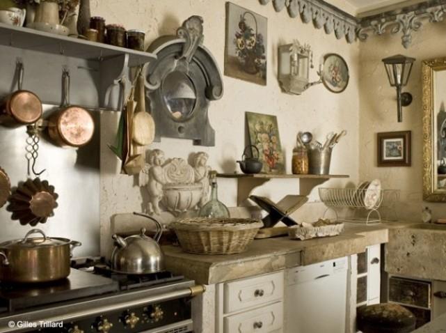 modèle deco cuisine campagne rouge - Photo Déco