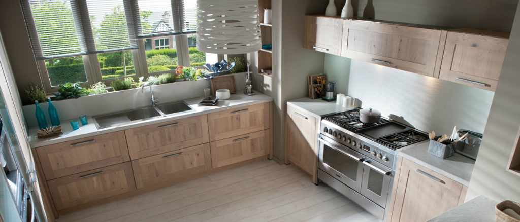 Deco cuisine moderne bois for Exemple deco cuisine