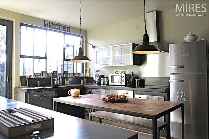 Deco cuisine moderne grise for Modele de decoration de cuisine
