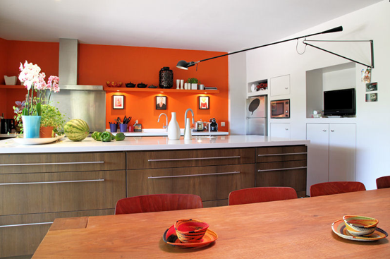 Deco cuisine peinture orange for Photo deco cuisine