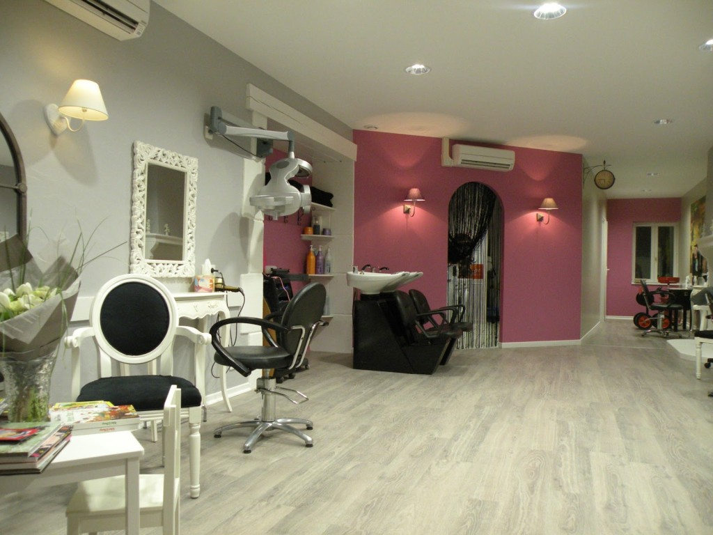 Deco interieur salon de coiffure for Salon de the decoration