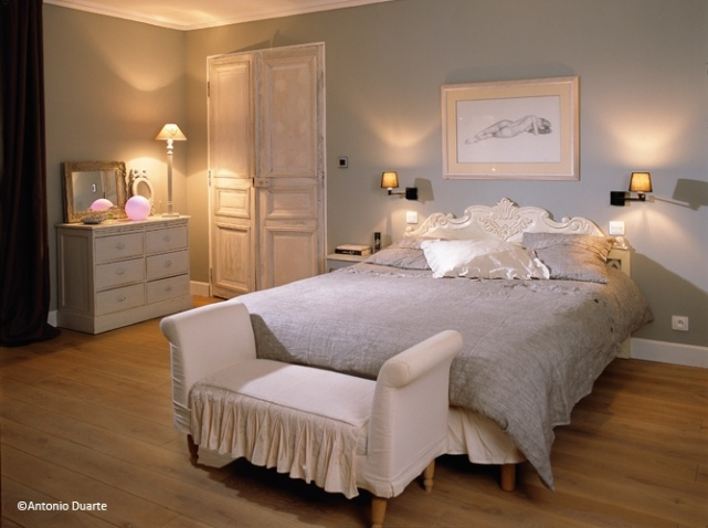 d co chambre adulte ton gris. Black Bedroom Furniture Sets. Home Design Ideas