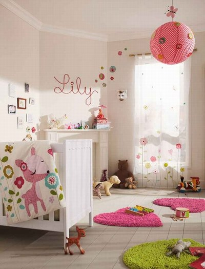D co chambre b b fille photo for Exemple deco chambre bebe