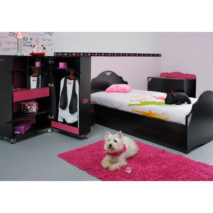 d co chambre fille rose et noir. Black Bedroom Furniture Sets. Home Design Ideas