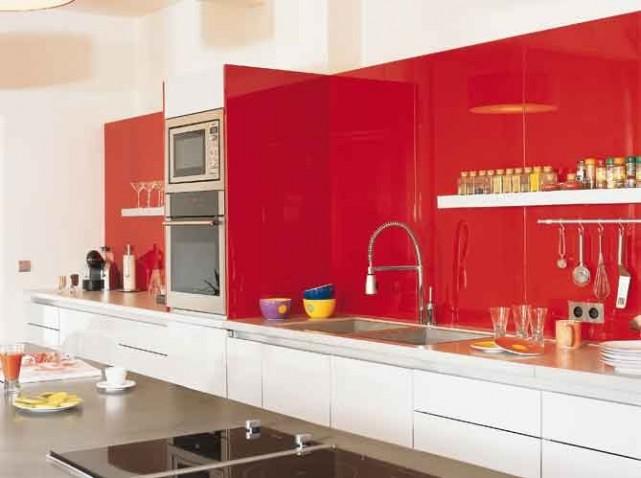 decoration de cuisine rouge et blanc