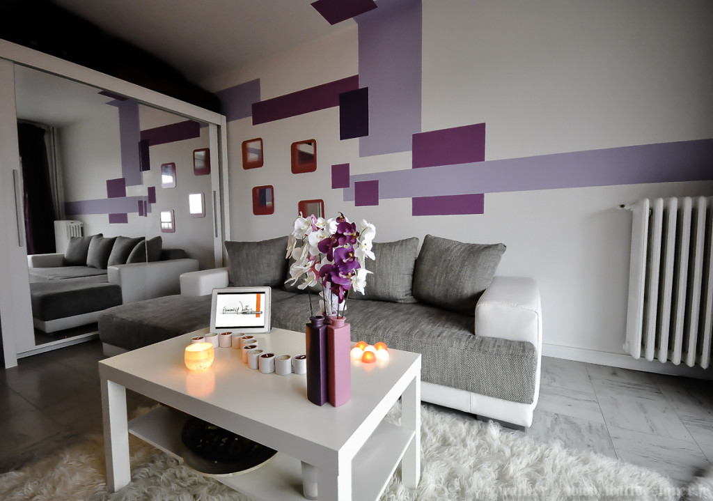 D co salon gris et violet for Amenagement deco