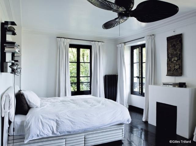 Deco chambre noir blanc et gris with chambre a coucher noir et blanc - Chambre a coucher en noir et blanc ...