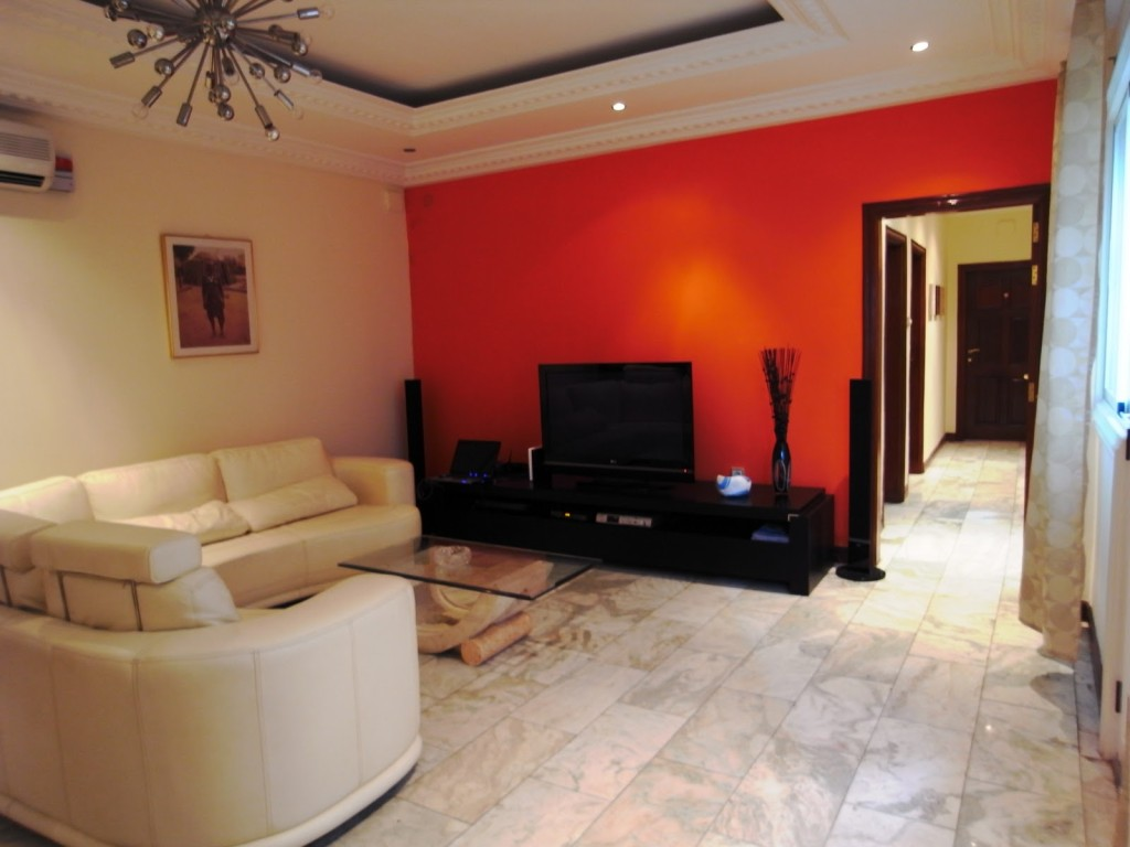 Salon marocain moderne orange marron - Harmonie couleur salon ...
