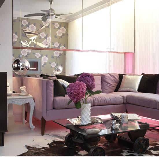 Photo deco salon noir blanc et rose