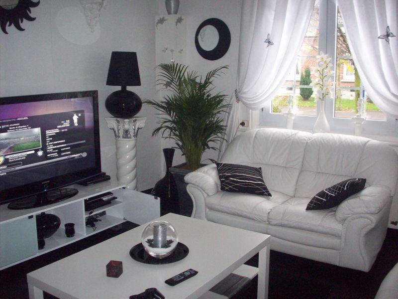 Deco salon noir et blanc for Salon marocain noir et blanc