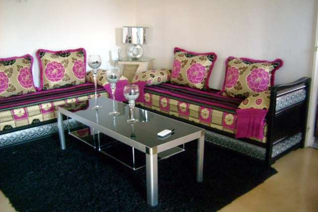 decoration de salon marocain 2011. Black Bedroom Furniture Sets. Home Design Ideas