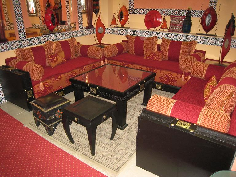 decoration salon marocain traditionnel. Black Bedroom Furniture Sets. Home Design Ideas