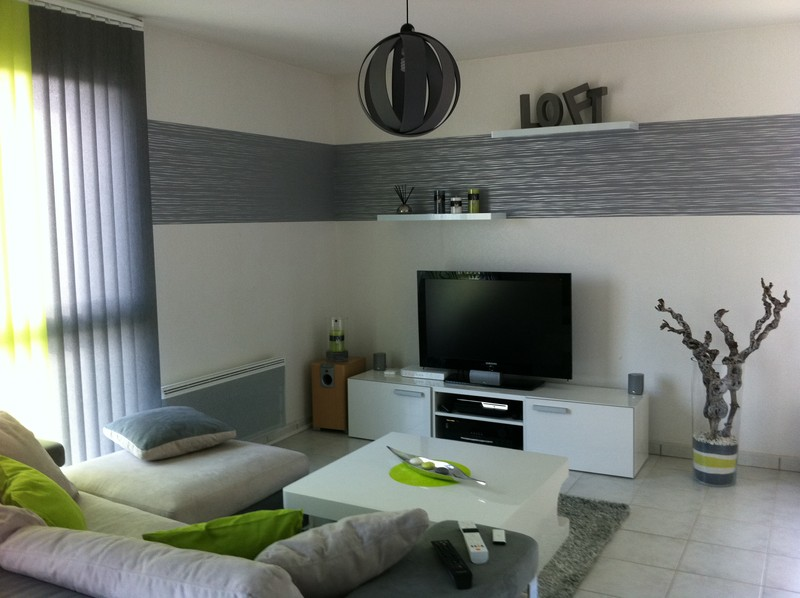 Salon contemporain gris - Deco salon design gris ...