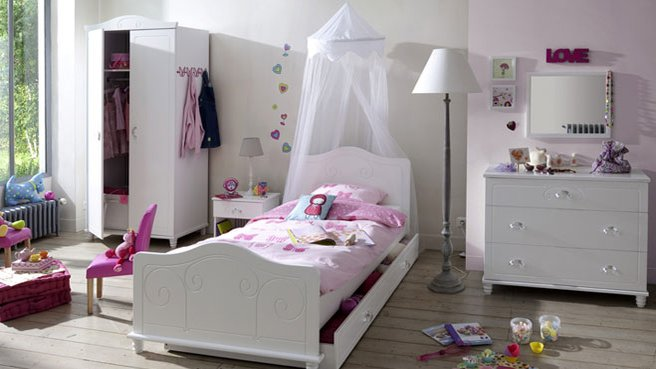 Idee deco chambre fille princesse for Chambre de fille adulte