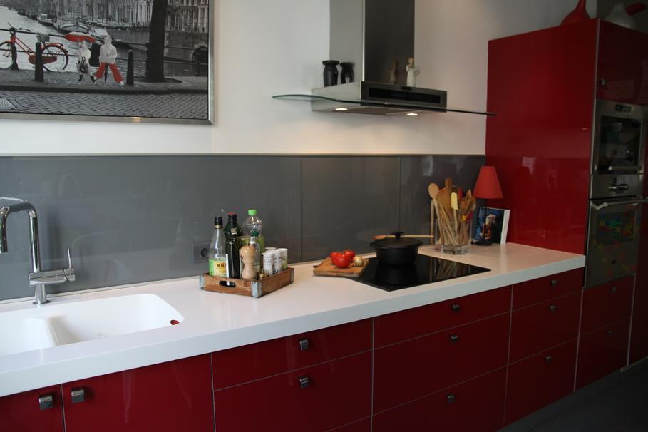 aménagement idee deco cuisine blanc et gris