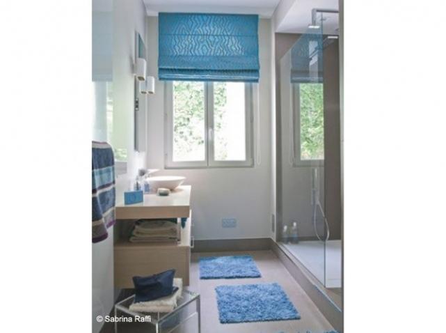 Photo déco salle de bain bleu et gris