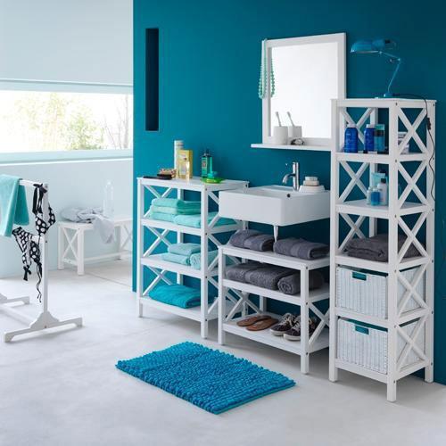 organisation deco salle de bain bleu marine et blanc
