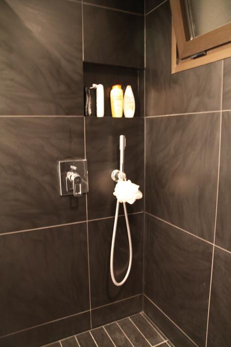 Idée Déco Salle De Bain Carrelage: Salle de bain blanc et ...