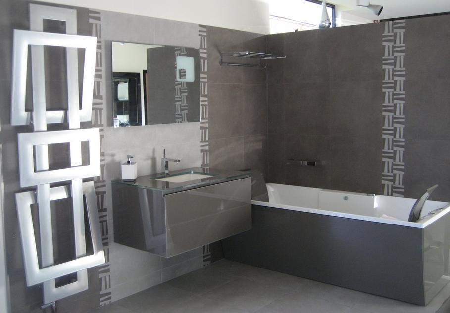 univers deco salle de bain carrelage marron - Salle De Bain Moderne Grise