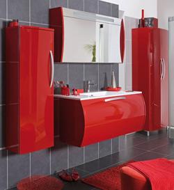 modèle deco salle de bain gris et rouge