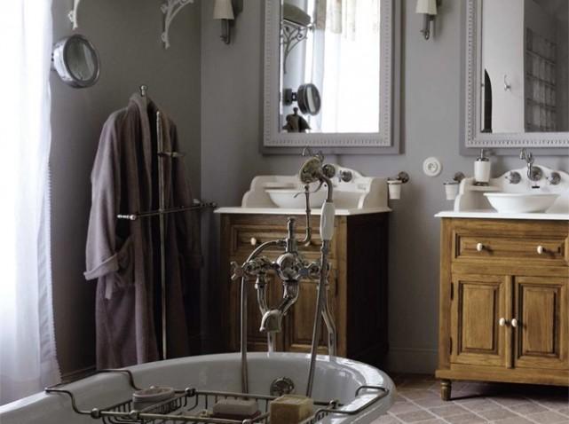 deco salle de bain retro. Black Bedroom Furniture Sets. Home Design Ideas