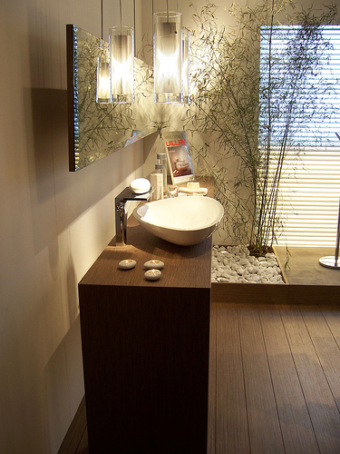 Jolie deco salle de bain zen bois