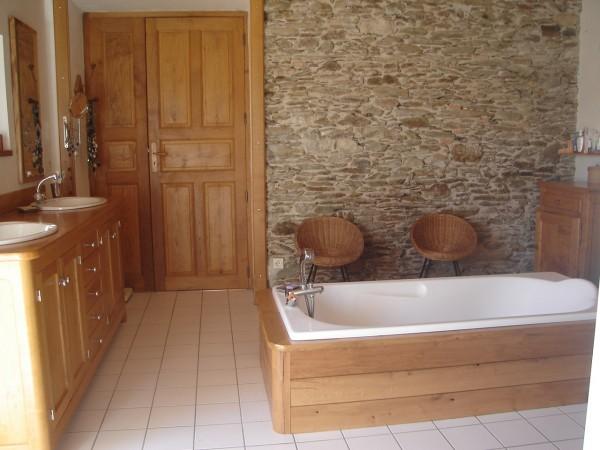 modèle deco salle de bains bois