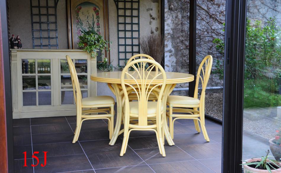 déco véranda tables et chaises