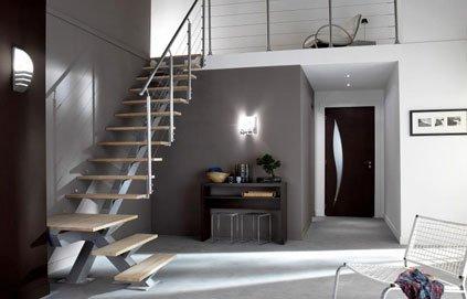 exemple déco entrée avec escalier - Photo Déco