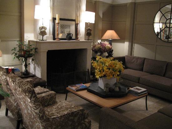 d co entr e maison bourgeoise. Black Bedroom Furniture Sets. Home Design Ideas