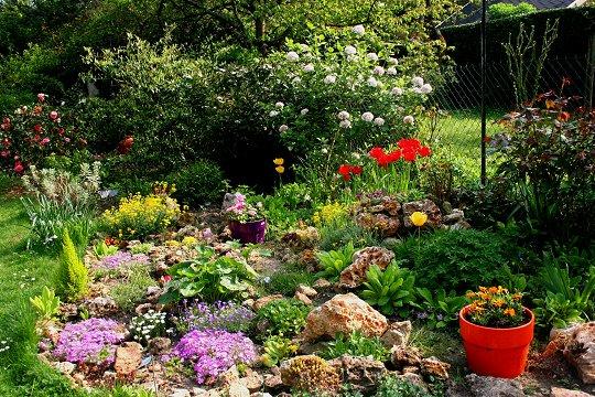 D co jardin avec r cup ration Modele de rocaille pour jardin