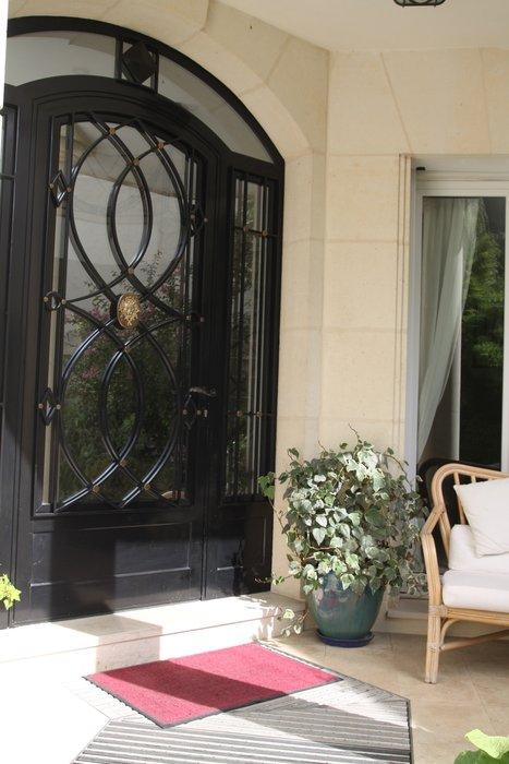 Photo décoration entrée extérieure maison