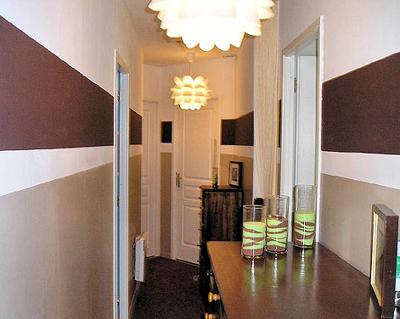 D coration peinture couloir entr e for Couloir maison peinture