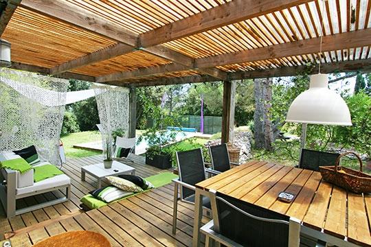 D coration pour terrasse en bois for Decoration de terrasse de maison