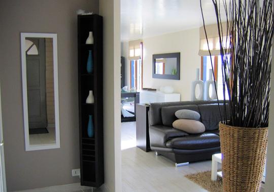 d coration pour une petite entr e. Black Bedroom Furniture Sets. Home Design Ideas