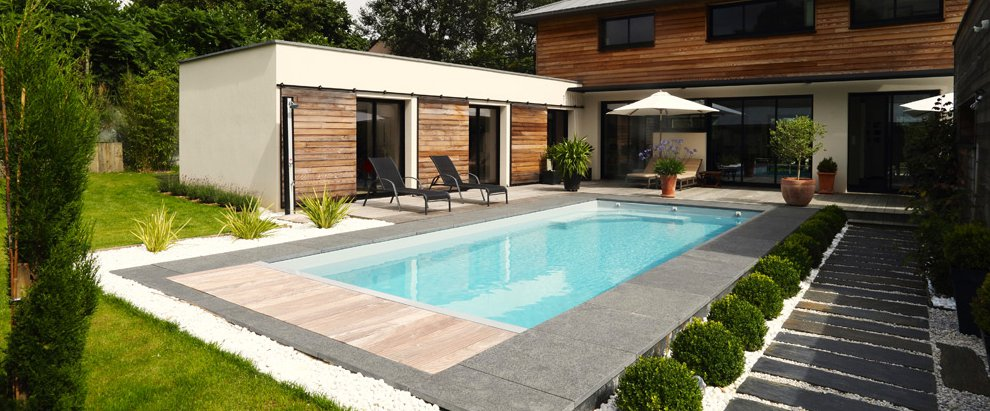 D coration terrasse avec piscine for Decoration piscine