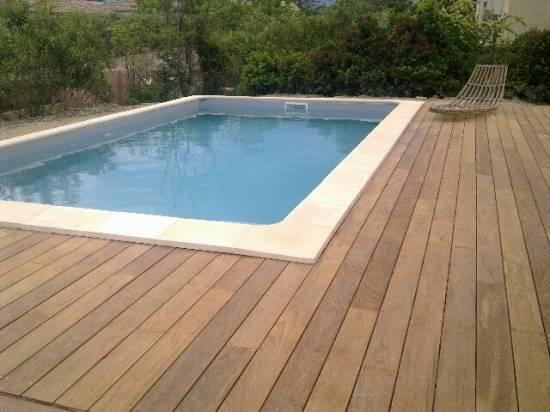 D coration terrasse piscine bois d co sphair for Photo deco piscine