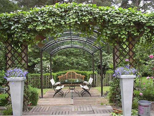 Decoration pergola jardin for Exemple deco jardin