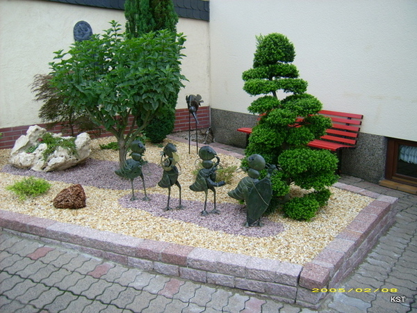 Idee d co jardin avec galets for Idee amenagement de jardin