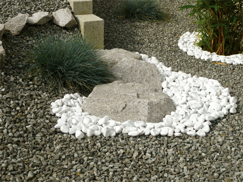 Kinderzimmers belle idee d co jardin galet blanc for Galet pour massif