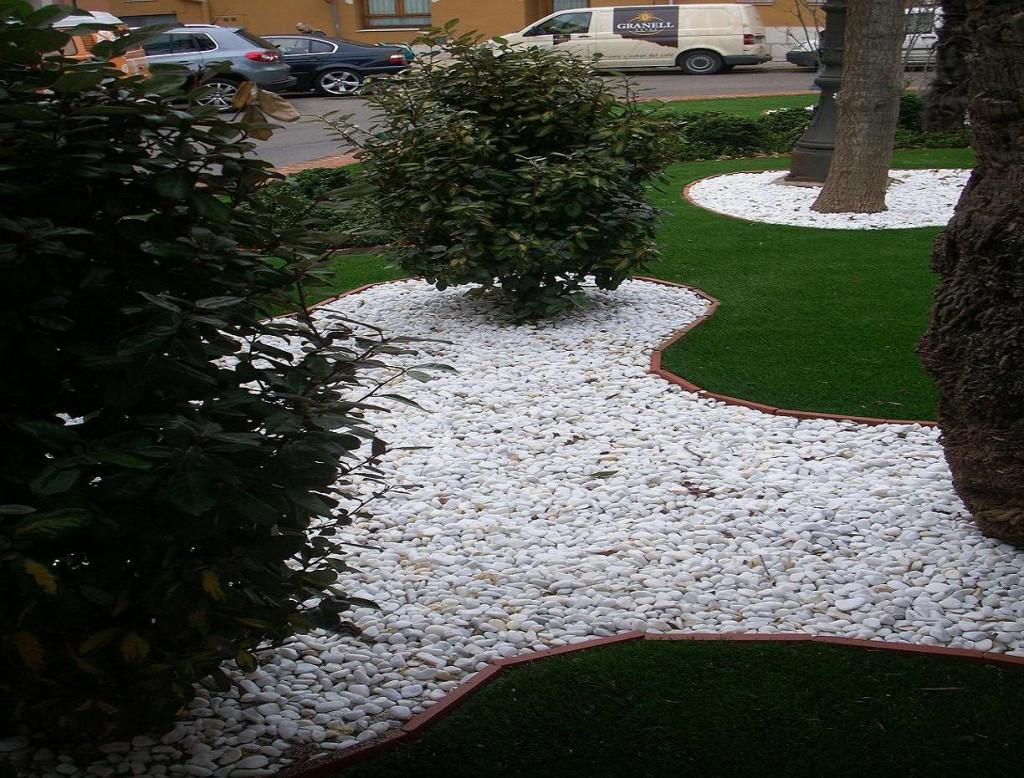 idee deco jardin galet blanc
