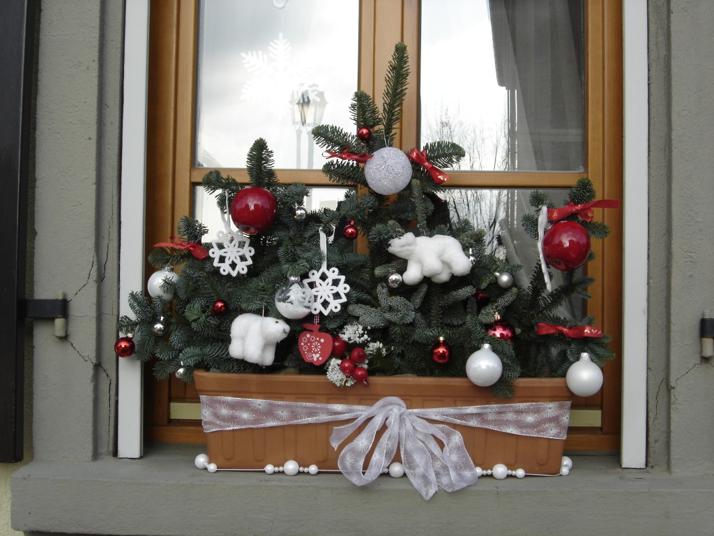 Idee d co jardiniere noel for Idee decoration fenetre pour noel
