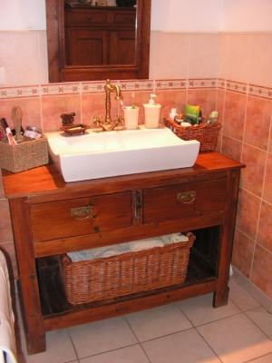 meuble salle de bain bois ancien latest salle de bain with meuble salle de bain bois ancien. Black Bedroom Furniture Sets. Home Design Ideas