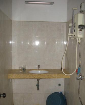 salle de bain 3 m2. Black Bedroom Furniture Sets. Home Design Ideas