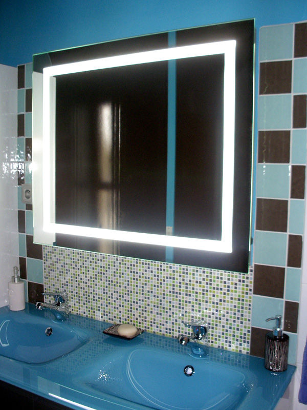 d co salle de bain turquoise et chocolat. Black Bedroom Furniture Sets. Home Design Ideas