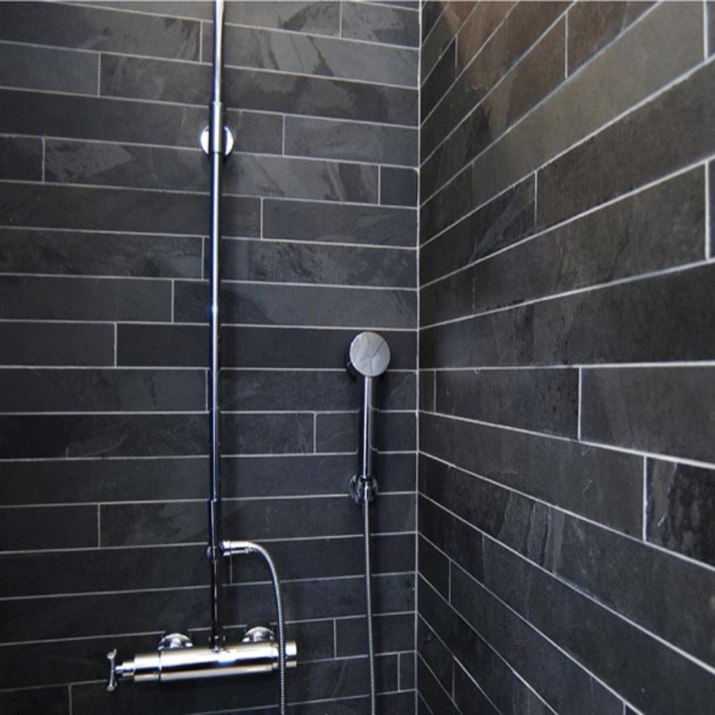 Salle de bain carrelage noir for Univers salle de bain