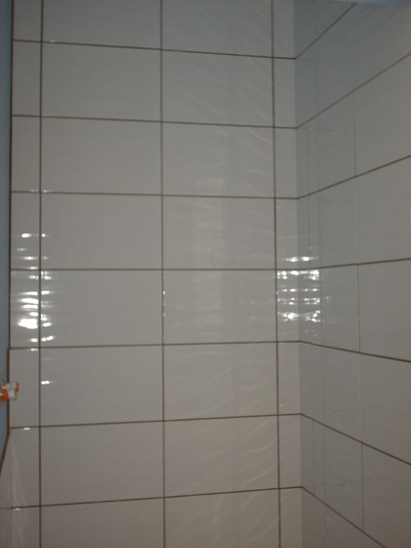 Salle de bain carrelage ou peinture for Peinture resine carrelage salle de bain